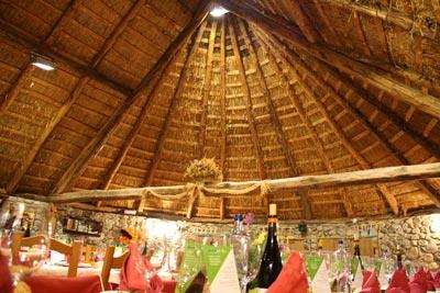 Interior del Restaurante Las Pallozas
