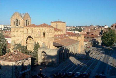 Basílica de San Vicente de Ávila desde la Muralla.