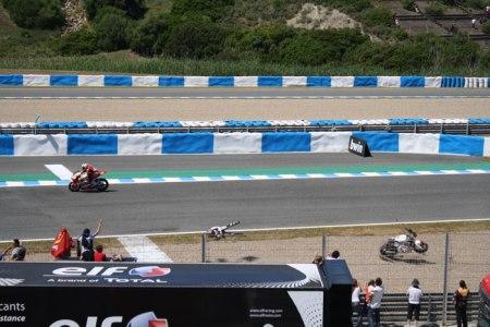 Accidente en el Gran Premio de Motociclismo de Jerez 2013 Foto 10