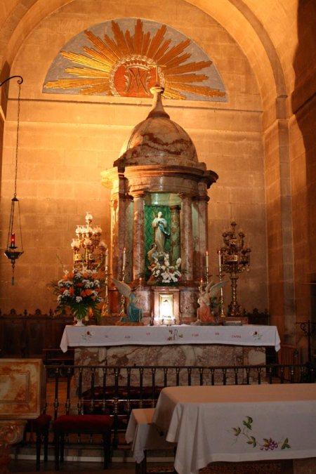Detalle del altar mayor de la Iglesia de la Encarnación de Montefrío