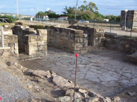 Restos de la muralla de Baelo Claudia en el año 2009